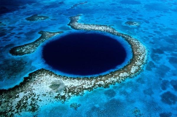 Buraco azul no mar de Belize